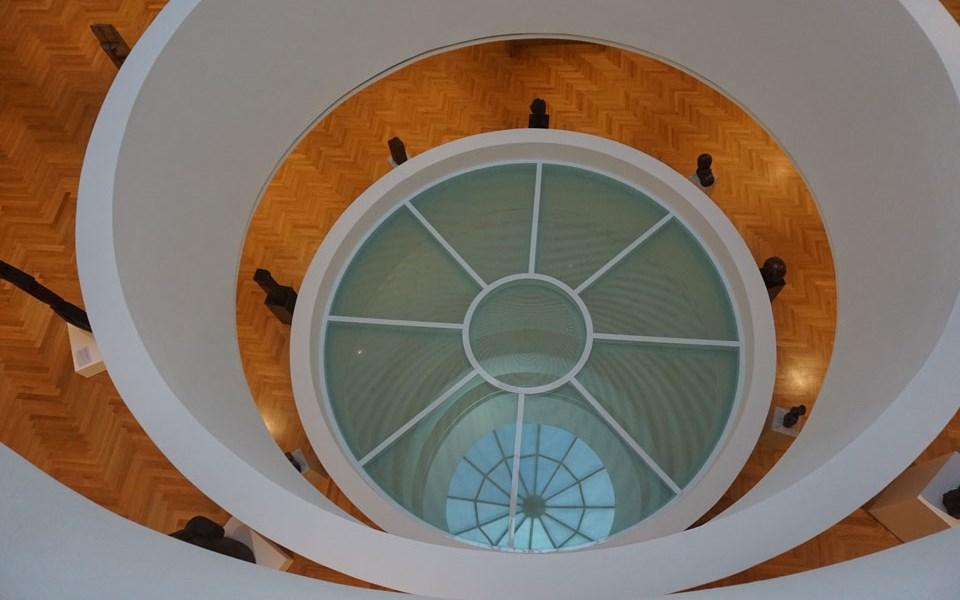 Хоризонтално остъкление с огнеупорно стъкло PROMAGLAS® в галерията Недбалка в Братислава, отгоре